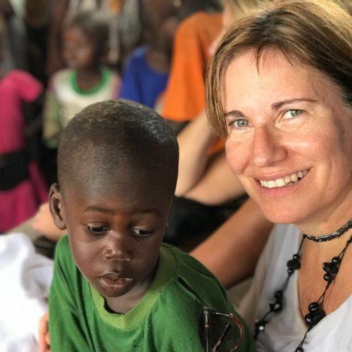 MARTA BELMONTE Farmacéutica y Técnica Superior en Salud Pública del Departament de Salut de la Generalitat de Catalunya. En la ONG, responsable del Área del Medicamento para el abastecimiento en centros de salud de Senegal. Viajé a Senegal con la ONG en 2017. Indescriptible!!!